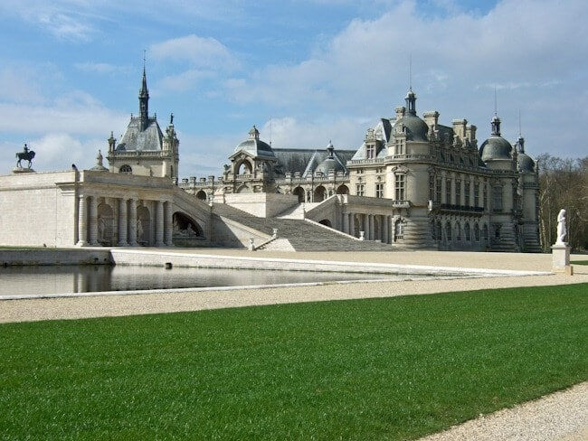 the picture perfect chateau de chantilly. Black Bedroom Furniture Sets. Home Design Ideas