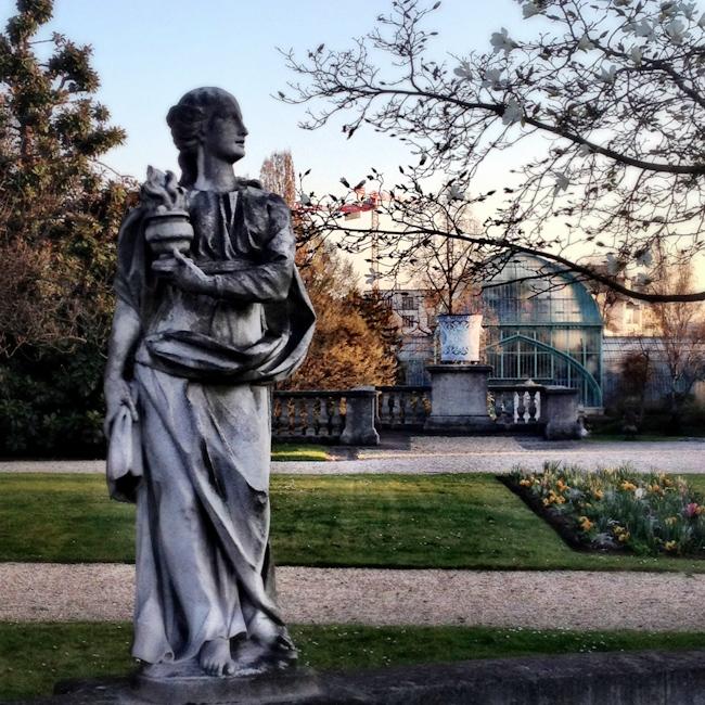 Statue at the Jardin des Serres d'Auteuil