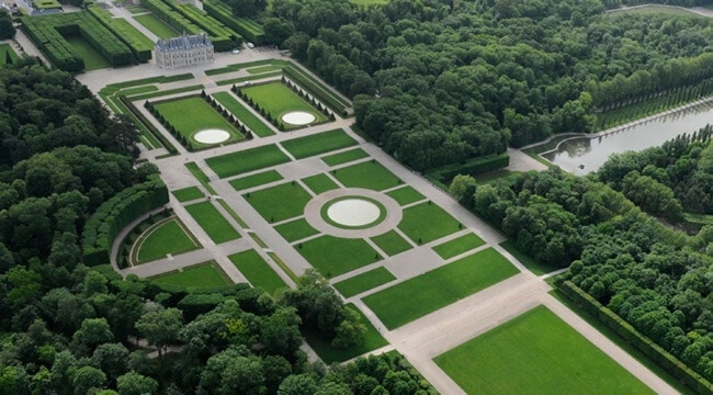 Castle of Sceaux and the park from above.
