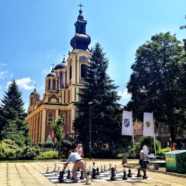 Playing Chess in Sarajevo
