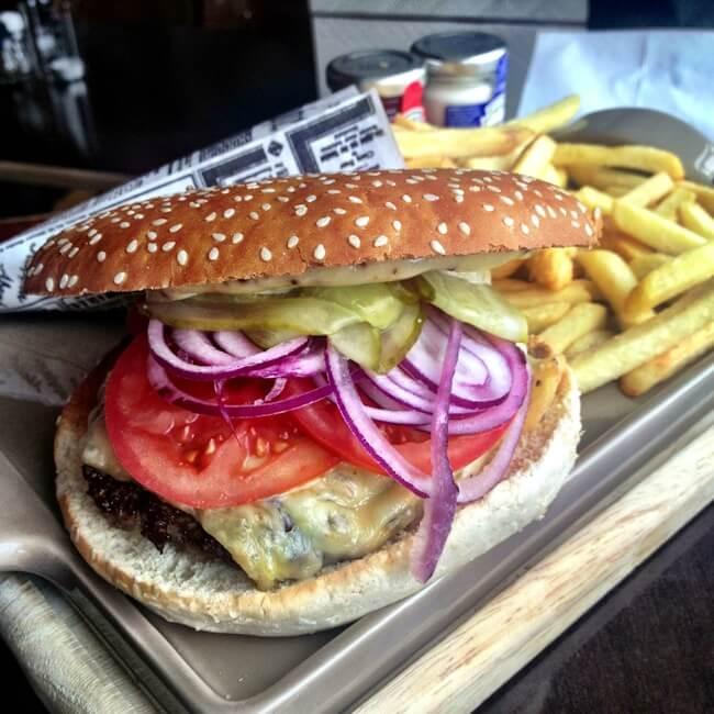 Hamburger at Heimat using German beef.