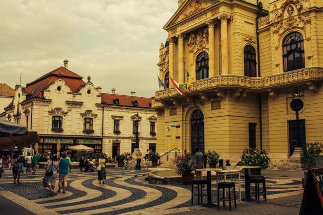 Pecs Theatre in the Pedestrian Zone