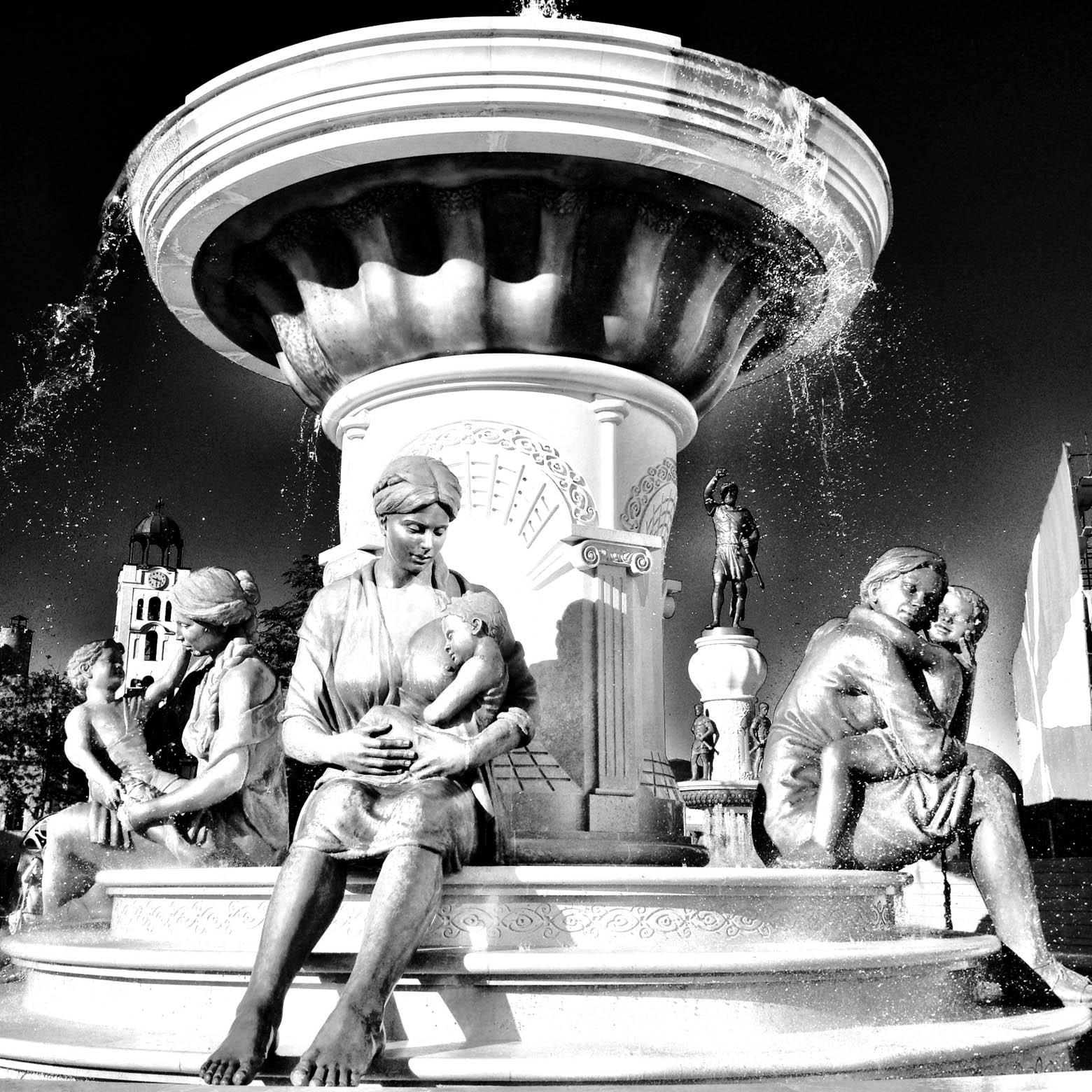 Skopje Mother & Child Fountain Black & White