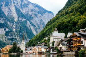 18 Highlights of Austria: Mountains, Castles & Lakeside Villages