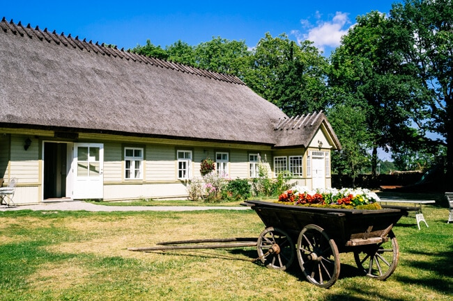 Koguva Village Thatched Roof Home