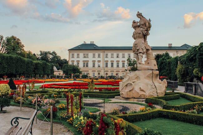 Loving Statues in Salzburg