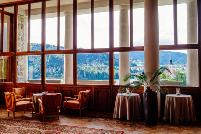 Coffee and cake with a view in Vila Bled