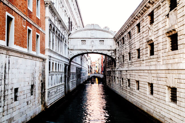 The enclosed Bridge of Sighs