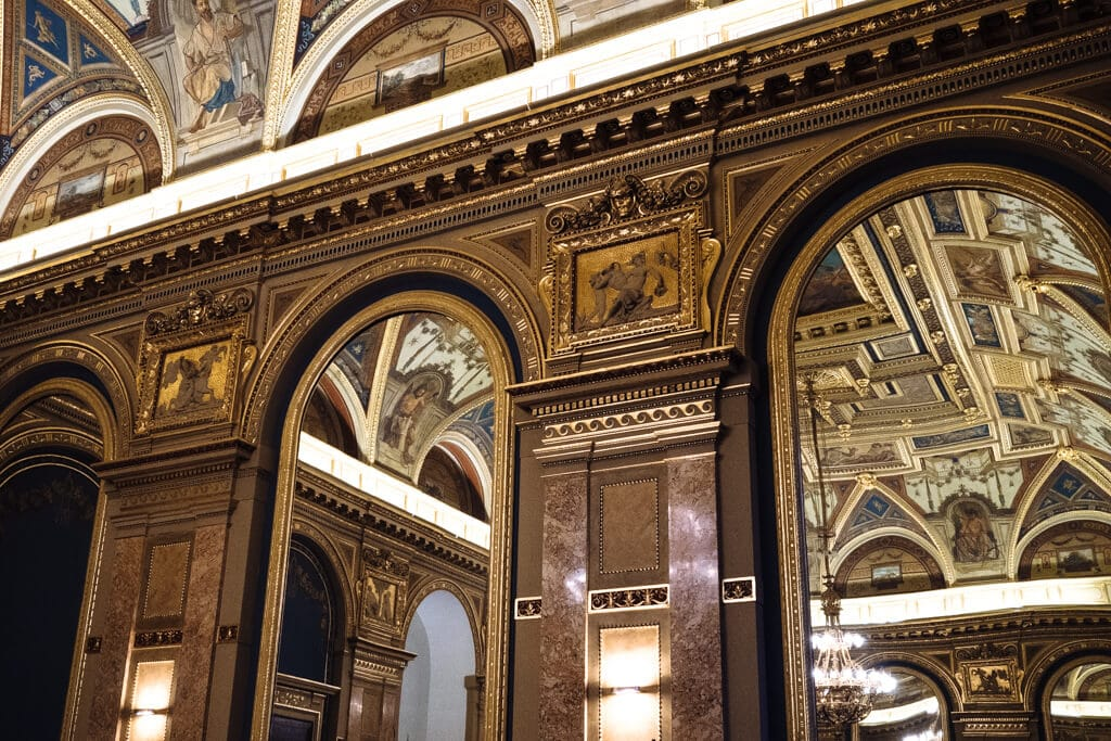 Paris Department Store - Book Cafe