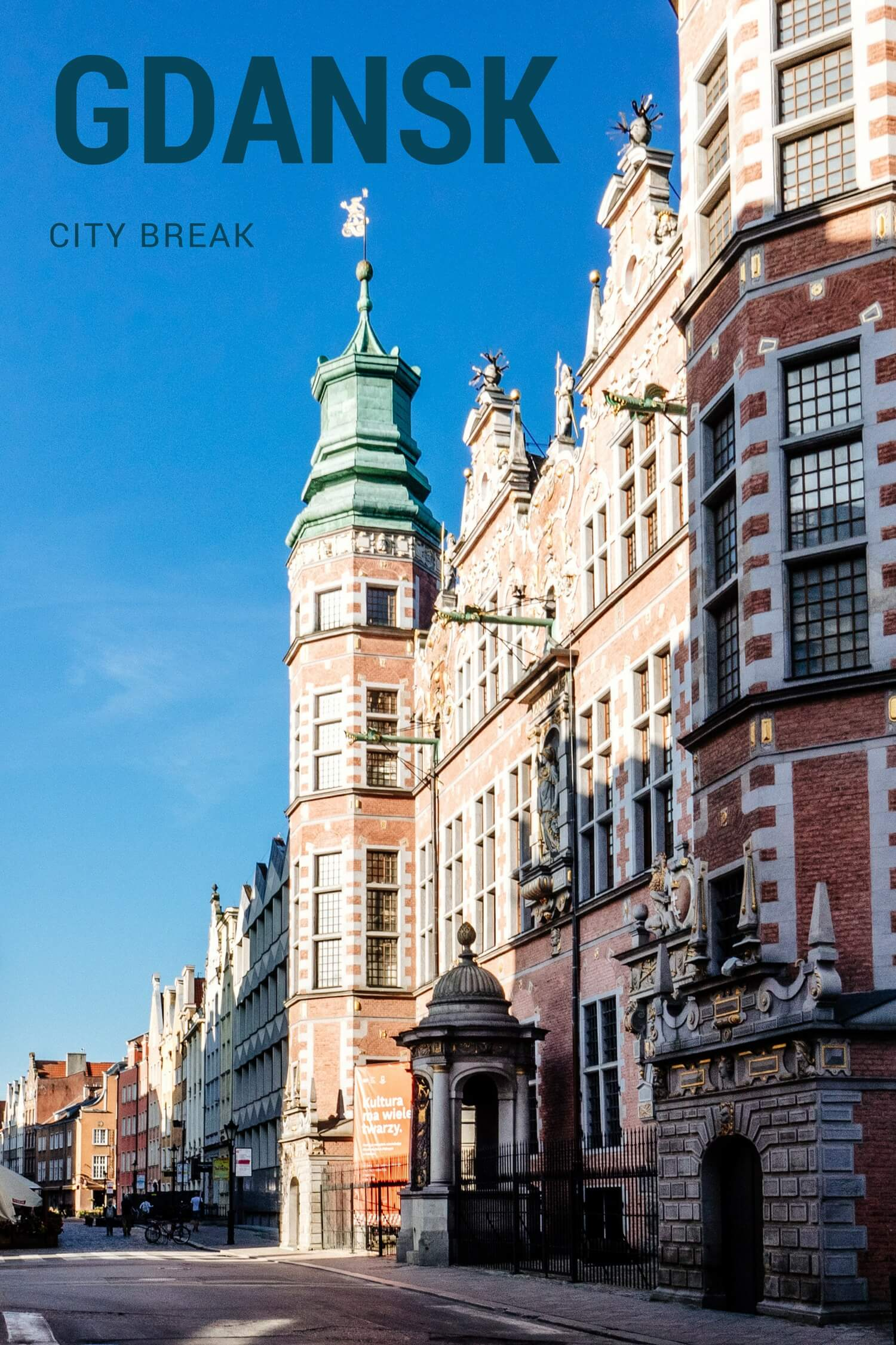 One of the beautiful city gates in Gdansk, the northern Polish city. #gdansk #poland