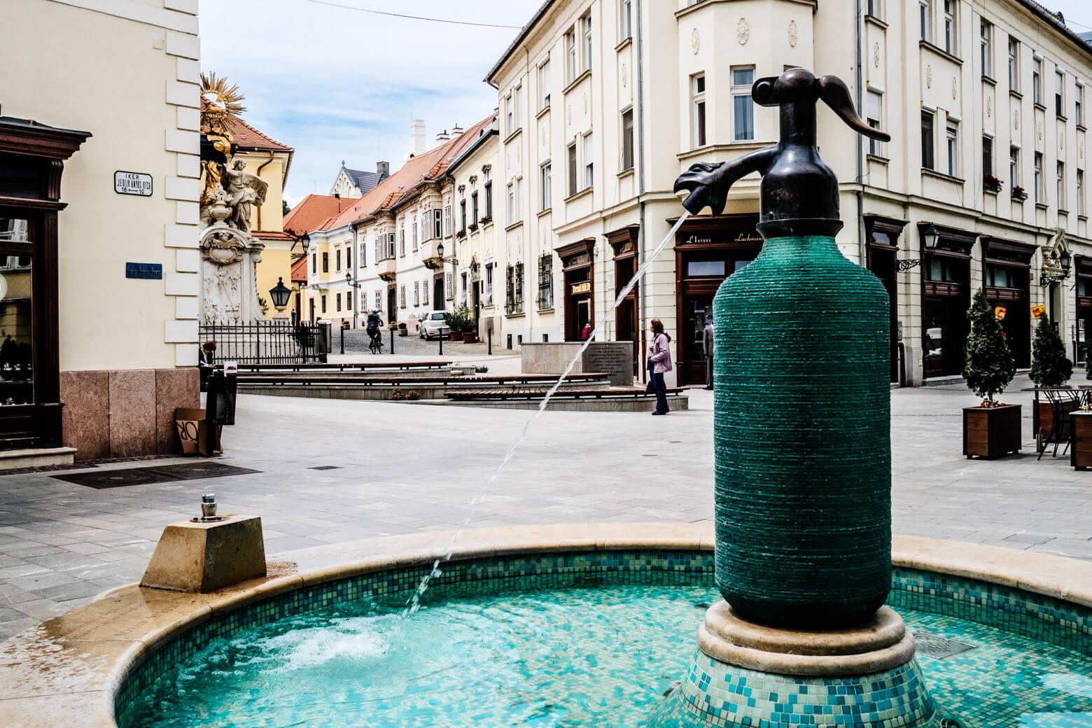 Jedlik Soda Water Fountain