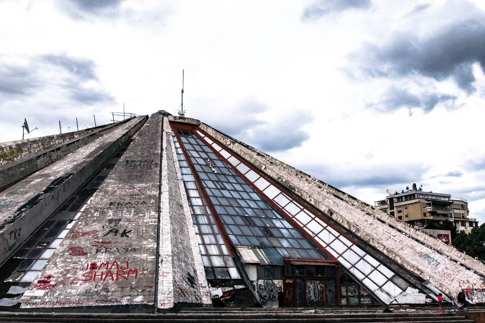 Пирамида Тираны, Албания